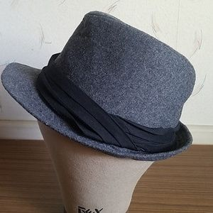 Wool and polyester Fedora